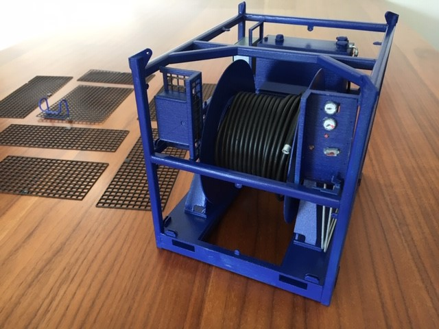 Scale model of a hydraulic reeler unit
